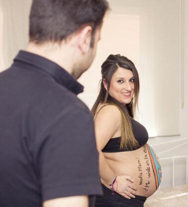 reportaje de belly painting en pareja